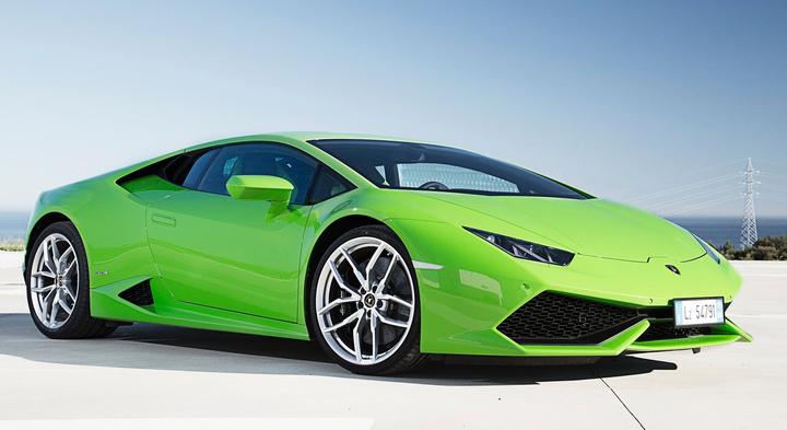 la plus belle voiture au monde entier auto sport. Black Bedroom Furniture Sets. Home Design Ideas