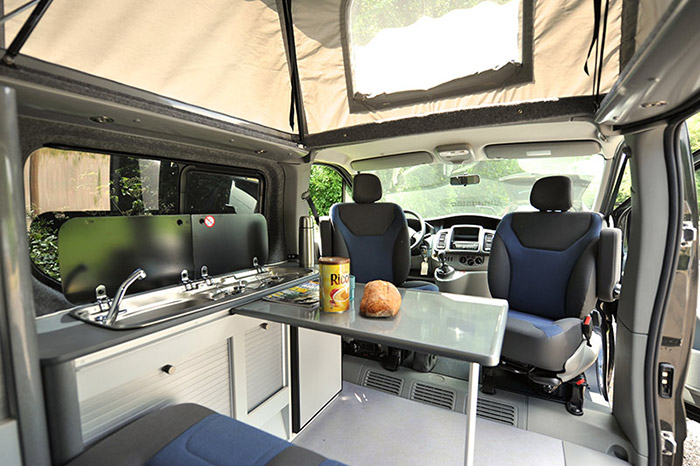 am nageur de camping car auto sport. Black Bedroom Furniture Sets. Home Design Ideas