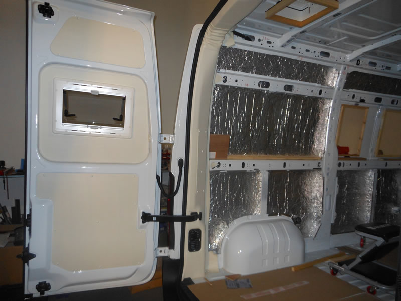 Amenagement camion camping car auto sport for Amenagement interieur camping car