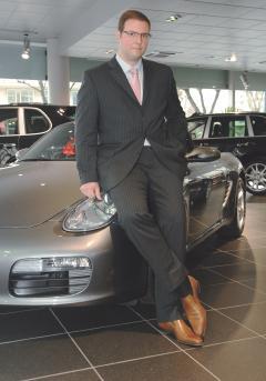 Vendeur voiture de luxe - auto sport