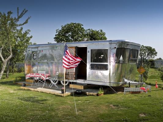 caravane americaine auto sport. Black Bedroom Furniture Sets. Home Design Ideas