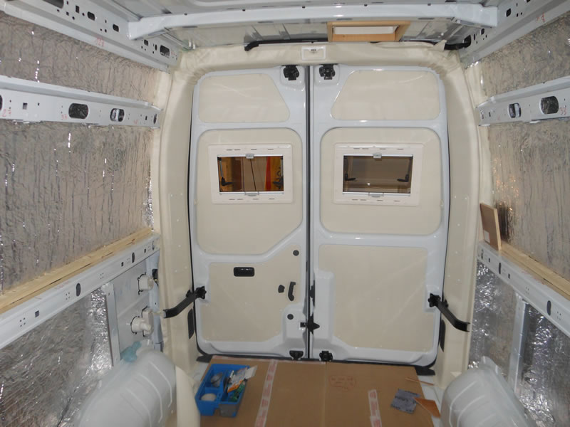 Amenagement camping car auto sport for Amenagement interieur camping car